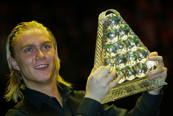 LONDON - FEBRUARY 8: Paul Hunter celebrates winning The Masters Snooker Final after beating Ronnie O'Sullivan of England at Wembley Conference Centre February 8, 2004 in London, England. (Photo by Bryn Lennon/Getty Images)